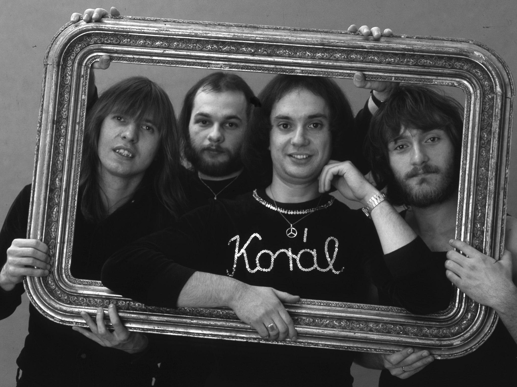 A Korál együttes, Balázs Fecó orgona-ének, Schöller Zsolt basszus, Fischer László gitár, Pados István dob, forrás: Fortepan