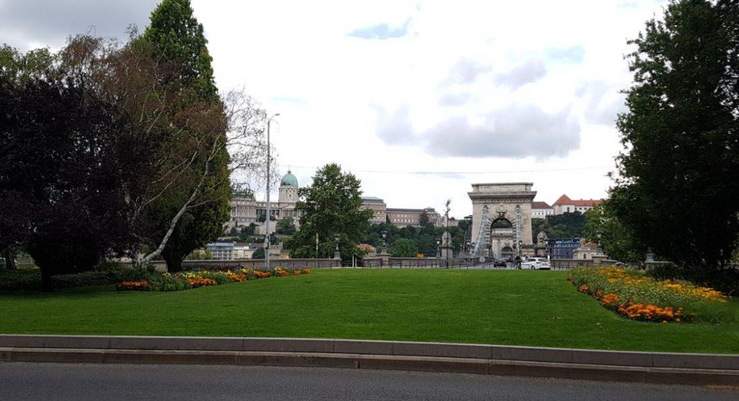 Budapest egyik gyöngyszeme, a Lánchíd