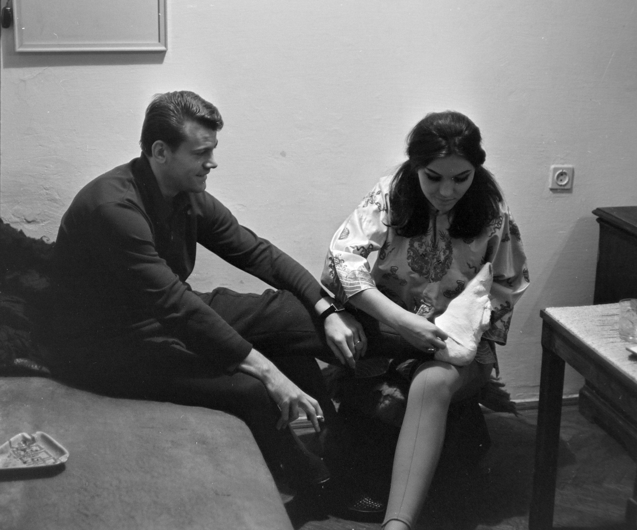 Pécsi Ildikó színművésznő. és férje, Szűcs Lajos a Ferencváros labdarúgója. 1969-ben Fortepan/Szalay Zoltán