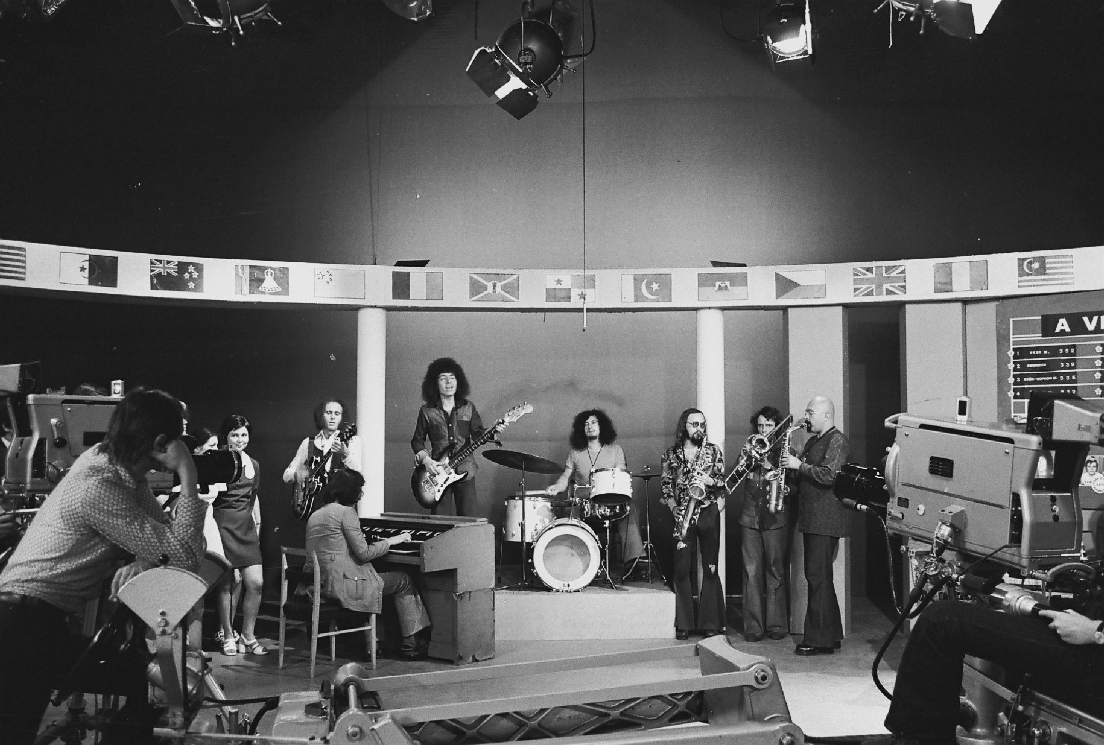 az MTV stúdiójában a Bergendy együttes. 1976-ban Fortepan/Rádió és Televízió Újság