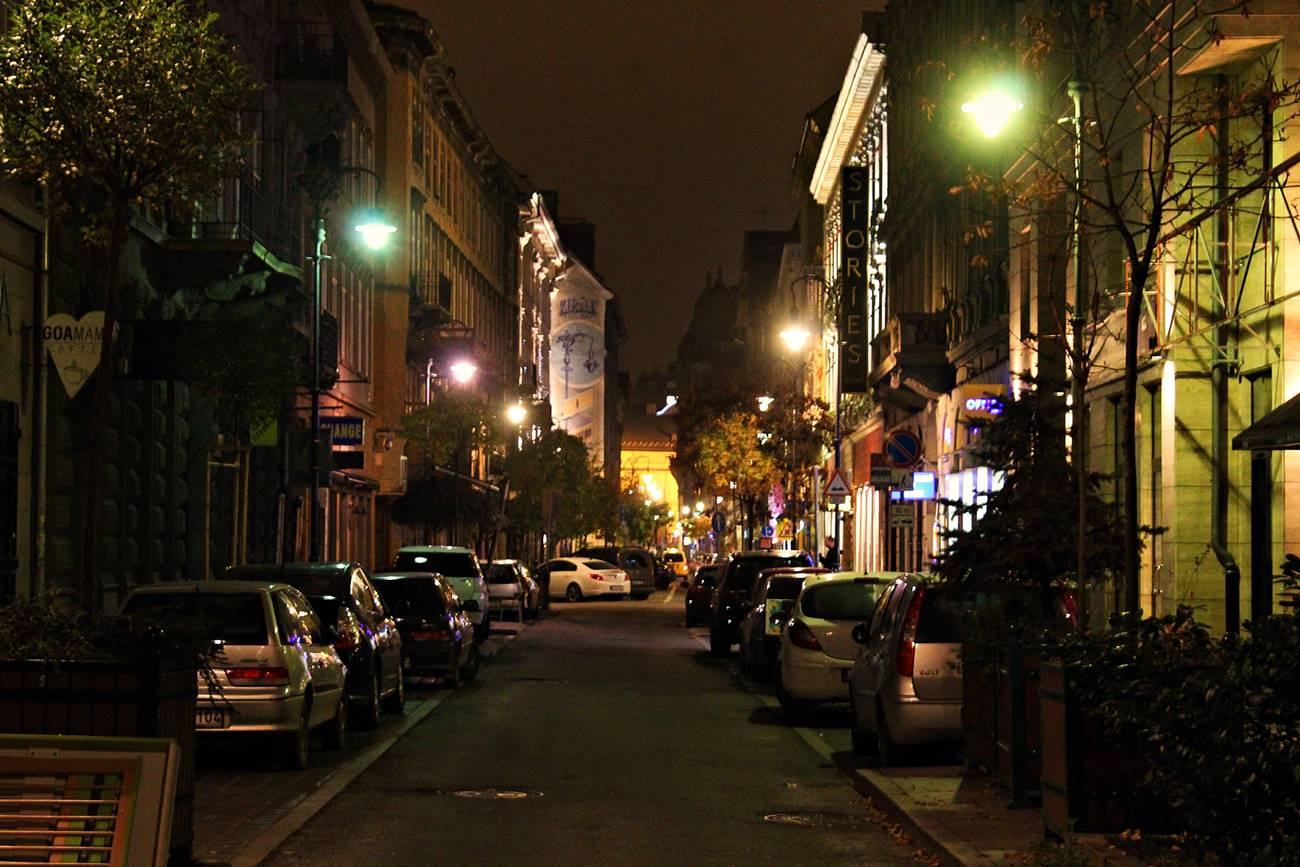 A Király utca este 8 után