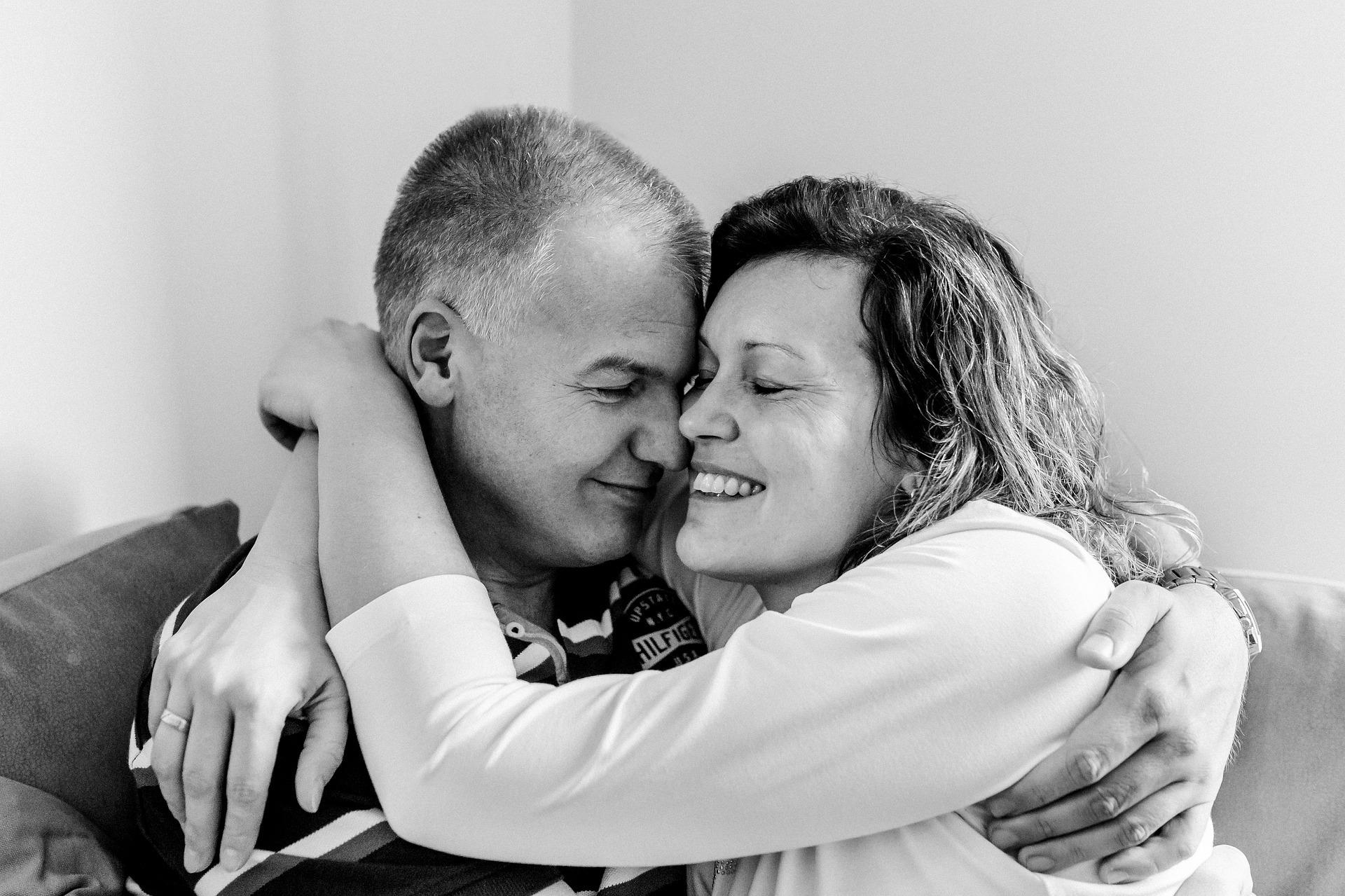 szeretetnyelv-testi érintés, ölelés