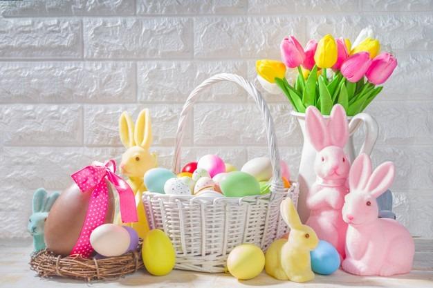 Húsvéti nyúl és tojások