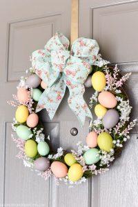 Csodás húsvéti ajtódísz