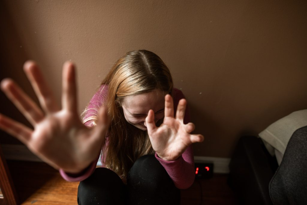 bántalmazás-szexuális visszaélés