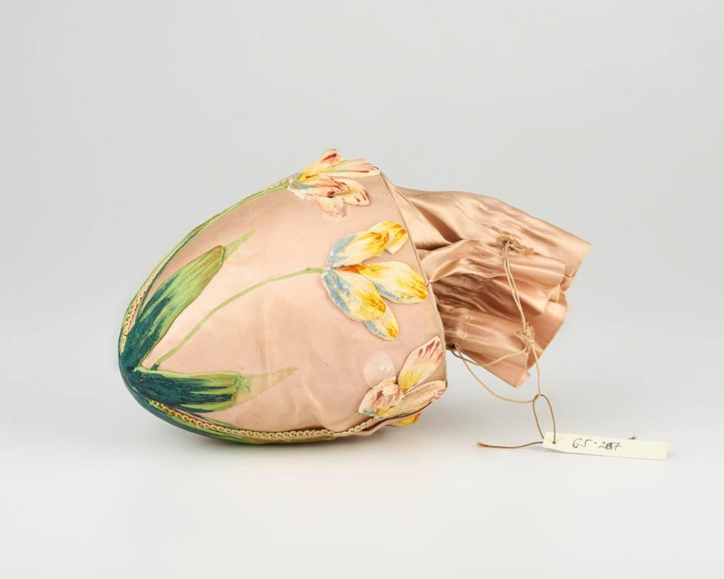 Fa és selyem Húsvéti tojás - 1901 - IM