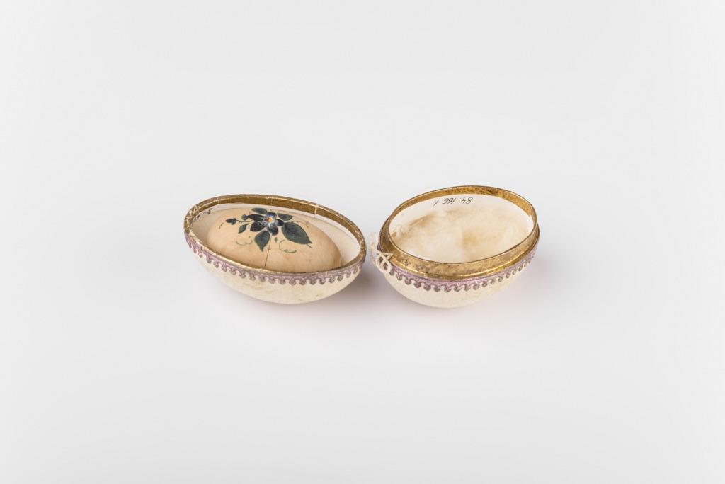 Papírmasé, selyem, vászon húsvéti tojás - 1875-1910 - IM