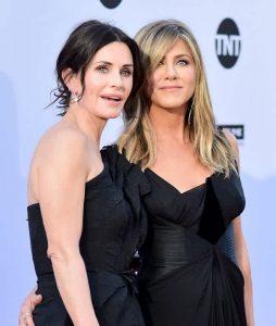 Jennifer és Courtney