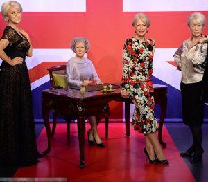 Helen Miller három viaszbábu mellett
