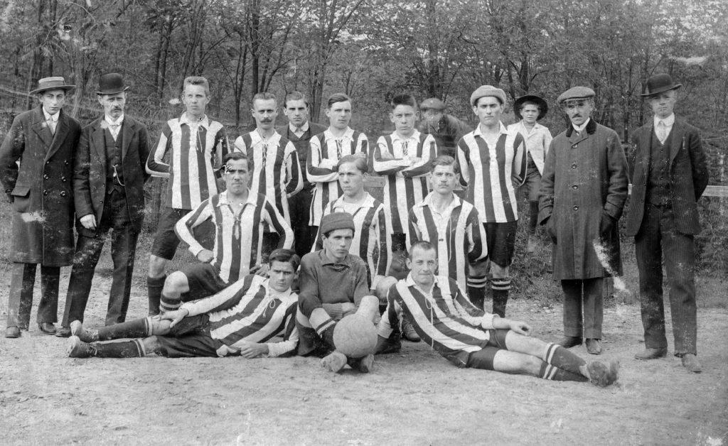 futball-labdarúgás-sportruhák