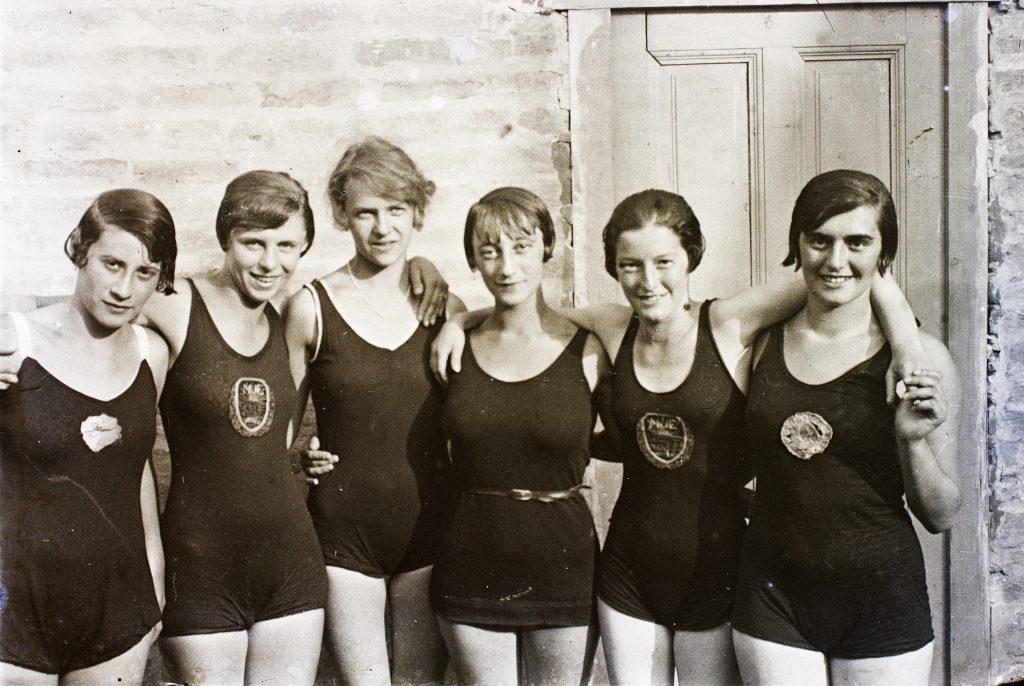 úszás-sportruhák
