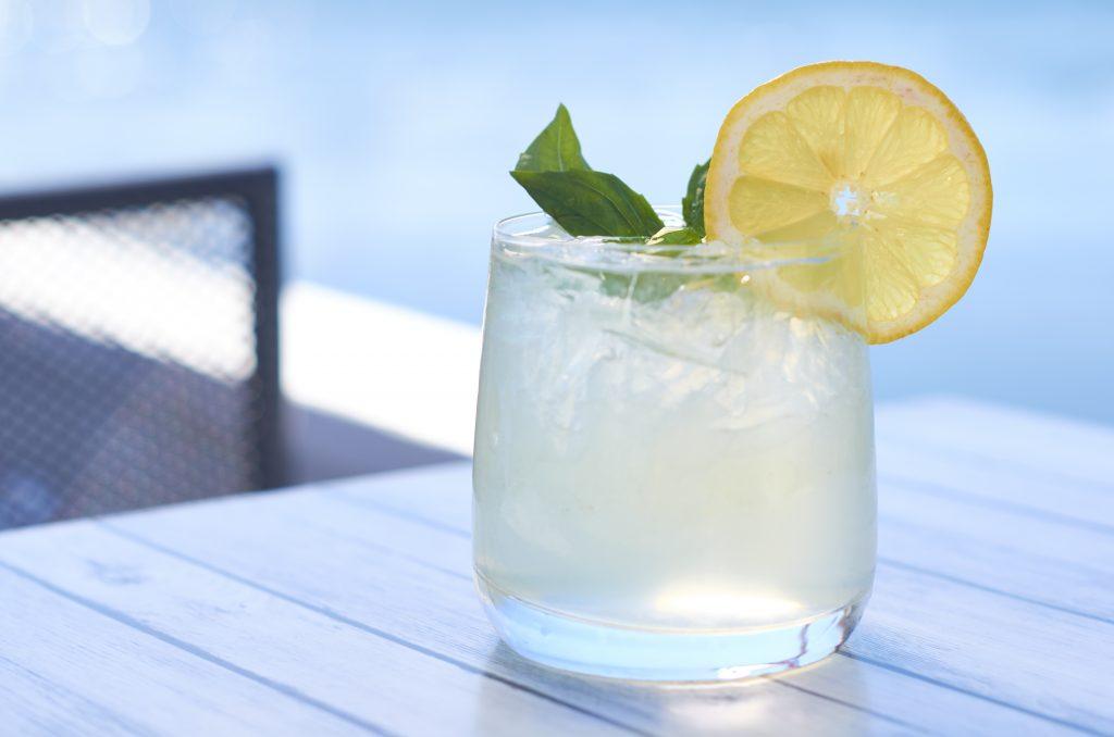 vodka-soda-cocktail