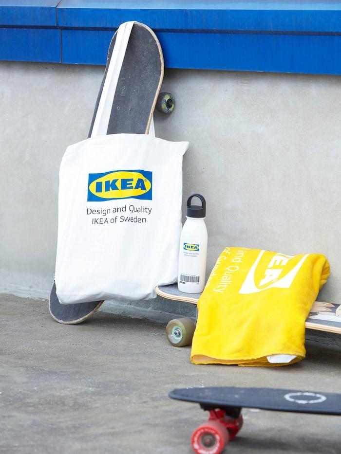 IKEA feliratú táska, törölköző, kulacs