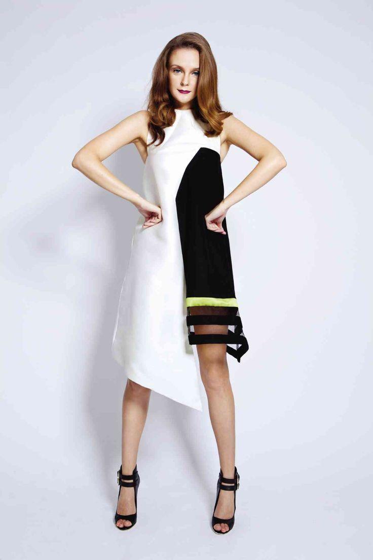 kontrasztos ruha